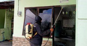 Implikasi Dari Pengamalan Pancasila Denzibang1/Stg Gotong-royong Lakukan Penyemprotan Desinfektan