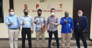 [Breaking News] Penuhi Panggilan Polda, Hengki Kasim Didampingi 5 Advokat Muda