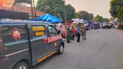Penerapan PPKM di Pasar Tumpah Dilaksanakan Polsek Balongan