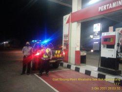 Kepolisian Sektor Sukagumiwang Hadir Ditengah-tengah Masyarakat Dalam Melaksanakan Kegiatan Patroli Strong Point Wiralodra