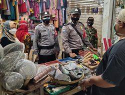 Kegiatan Penerapan Prokes di Pasar Tradisional Oleh Polsek Sukagumiwang