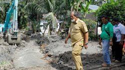 Atasi Banjir di Asahan, Wabup Taufik Tinjau Normalisasi Saluran Air