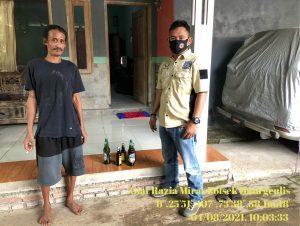 Aiptu A. Tobi Berhasil Merazia PEKAT Berupa Mihol di Desa Sumbermulya